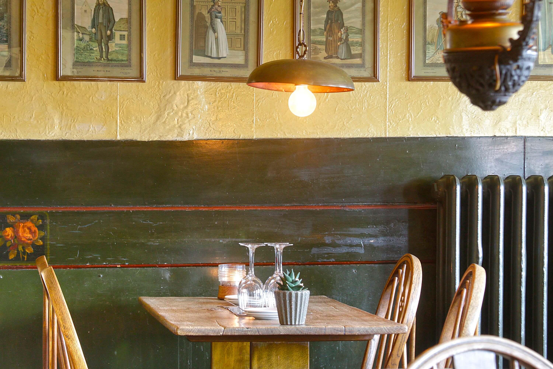Restaurant02.