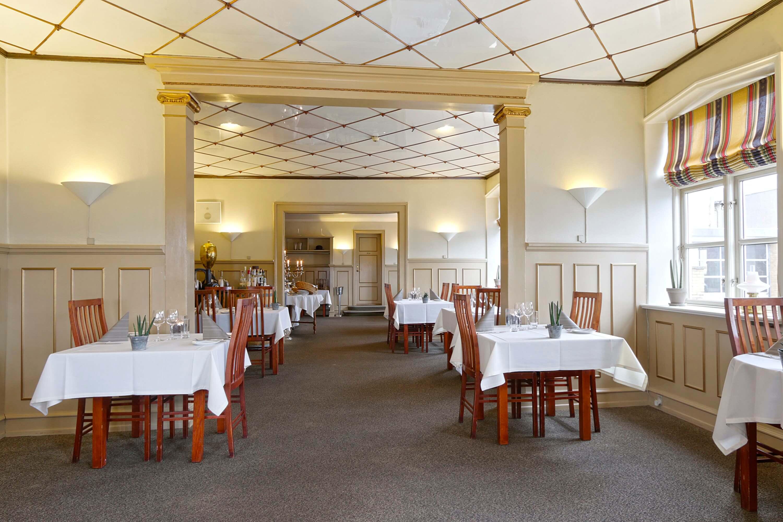 Restaurant07.